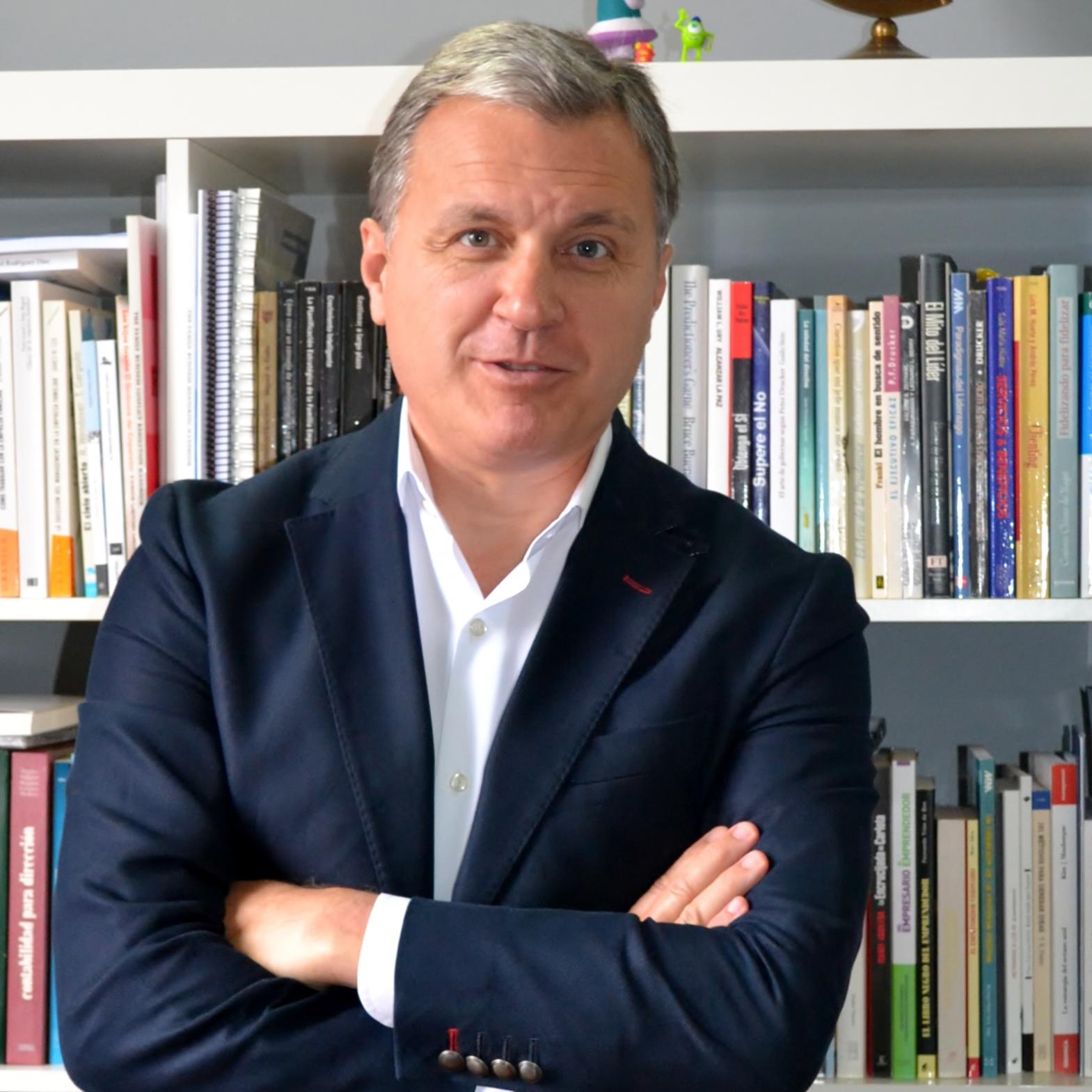 Vicente Lluch